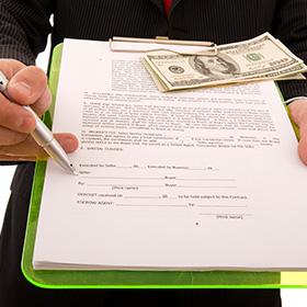 Уплачивать ли админсбор за перерегистрацию учредительных документов в результате декоммунизации