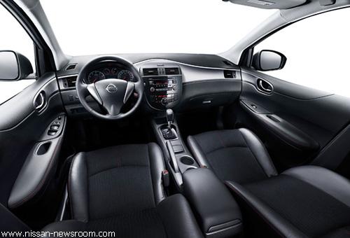 """""""Nissan"""" официально представил новую """"Tiida"""""""