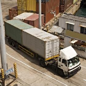 Нюансы налогообложения услуг по транспортировке товаров резидента нерезидентом