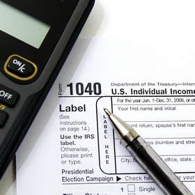 В налоговой накладной указывать название товара можно на иностранном языке
