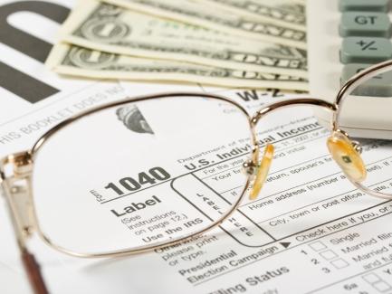 Должен ли нотариус выдавать клиенту чек на стоимость предоставляемых услуг