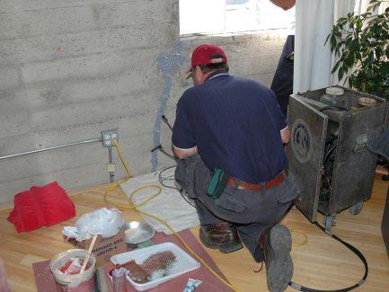 По каким КЭКР приобретать стройматериалы для установления ограждения