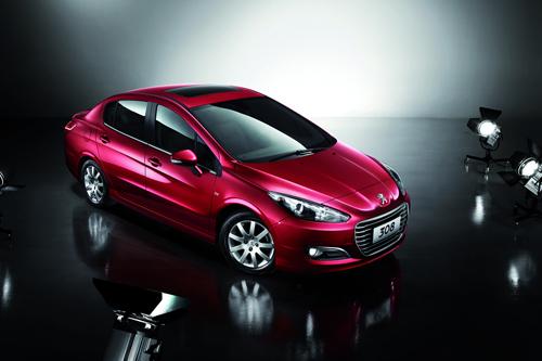 Peugeot запускает в Китае продажи 308-го седана