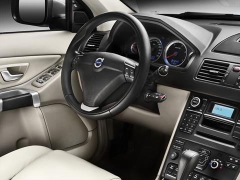 Volvo представила обновленный XC90