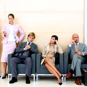 Кто и откуда должен узнавать, что у работника недостаточно страхового стажа