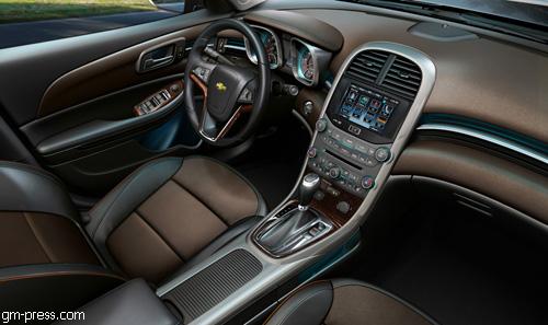 """Chevrolet"" представил в Шанхае новый ""Malibu"""