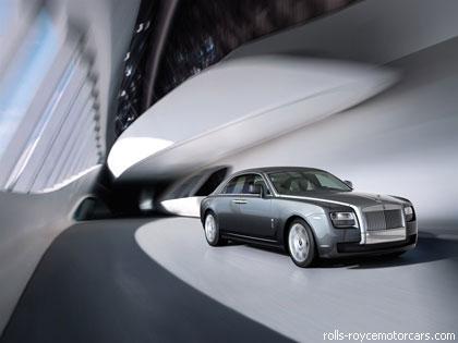 """""""Rolls-Royce"""" удвоил продажи"""
