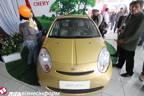На Столичном автошоу представили китайский электрокар