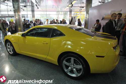 Столичное автошоу-2011: Chevrolet Cruze и Camaro