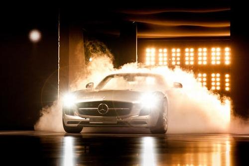 Mercedes во Франкфурте: световое шоу, концепт и электрокар