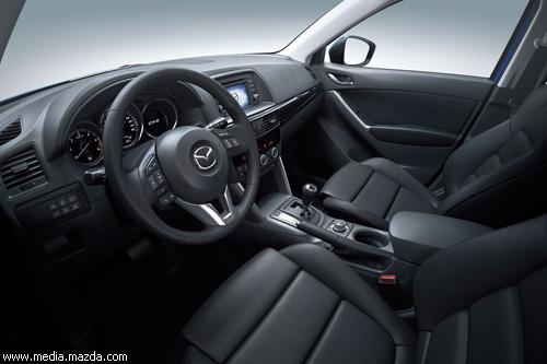 Mazda опубликовала первые фото кроссовера CX-5