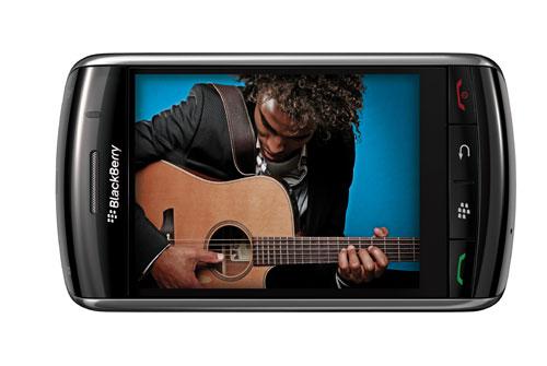 """""""BlackBerry"""" впервые появился с сенсорным экраном"""