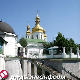 Азаров пообещал Патриарху Кириллу освободить Лавру