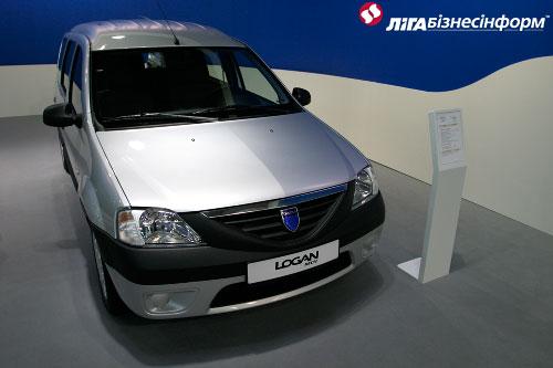 """Новинка """"Dacia"""" на столичном автошоу"""