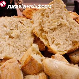Цену на хлеб подняли все пекарни Киева