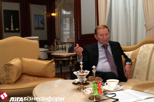 Кучма: Тимошенко мало напоминает мать Терезу