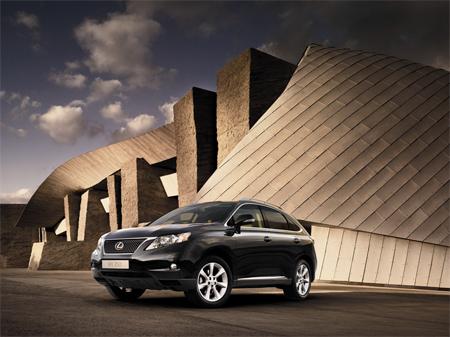 В салонах Lexus действует эксклюзивное предложение на новый Lexus RX 350
