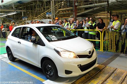 Toyota запустила новый Yaris в производство