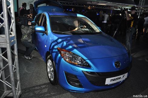 """Новая """"Mazda3"""" доехала до Украины"""