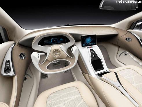 """Mercedes"" представил новый седан F800"
