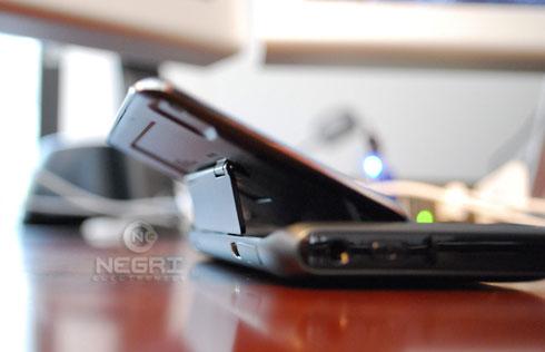 """Опубликованы неофициальные фото """"Nokia N9"""""""
