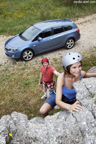 """Opel"" представил новый универсал ""Astra Sports Tourer"""