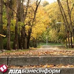 Погода в Україні: прохолодно і без дощів