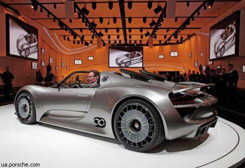 """Porsche"" представил ""гибридный"" спорткар ""918 Spyder"" (фото)"