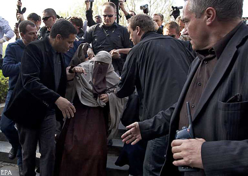 Во Франции начали наказывать за ношение паранджи