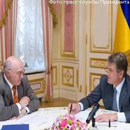 Ющенко поговорил с первым замглавы НБУ о валюте