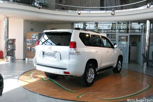 """В Украине стартуют продажи нового """"Toyota Land Cruiser Prado"""". Названы цены"""
