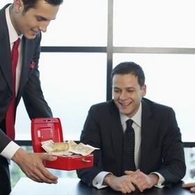 Как в расчете по ф. № 1ДФ отразить стоимость подарков