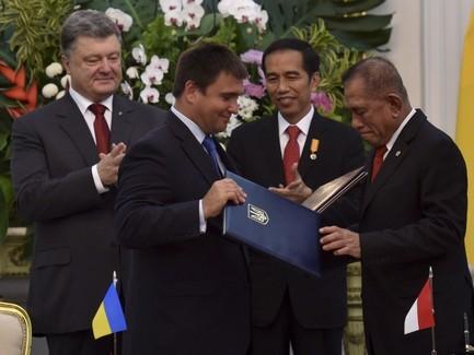Украина вполне может стать воротами нарынокЕС для Малайзии— Порошенко