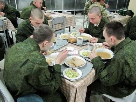Меню бойцов ВСУ расширили до18 блюд